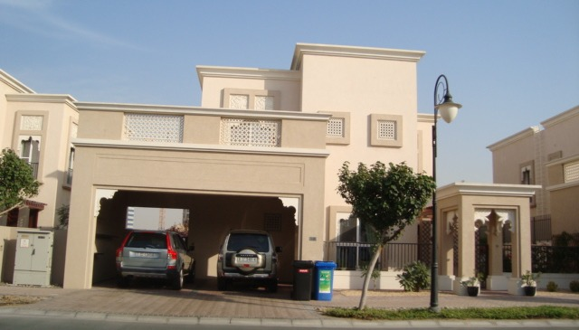 Beautiful house in lovely and quiet community in dubai Beautiful houses in dubai pictures