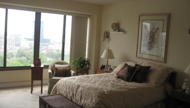 Beautiful condominium 20th floor overlooking the city of Philadelphia