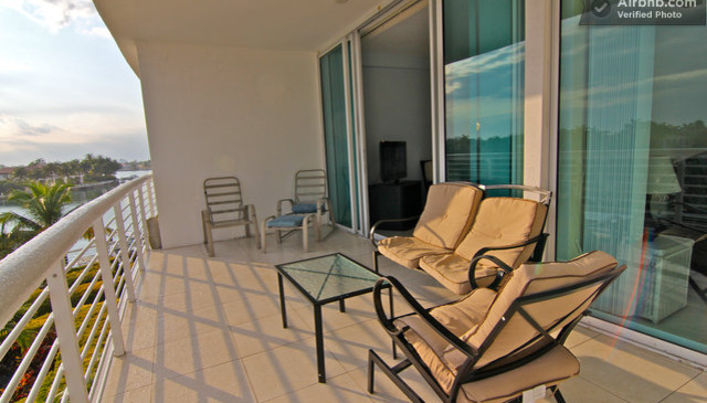 2bedrooms,2 bath water front condo close to the ocean and beach