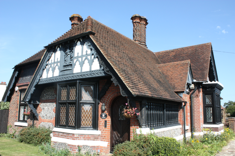 19th Century Tudor Cottage close to Central London