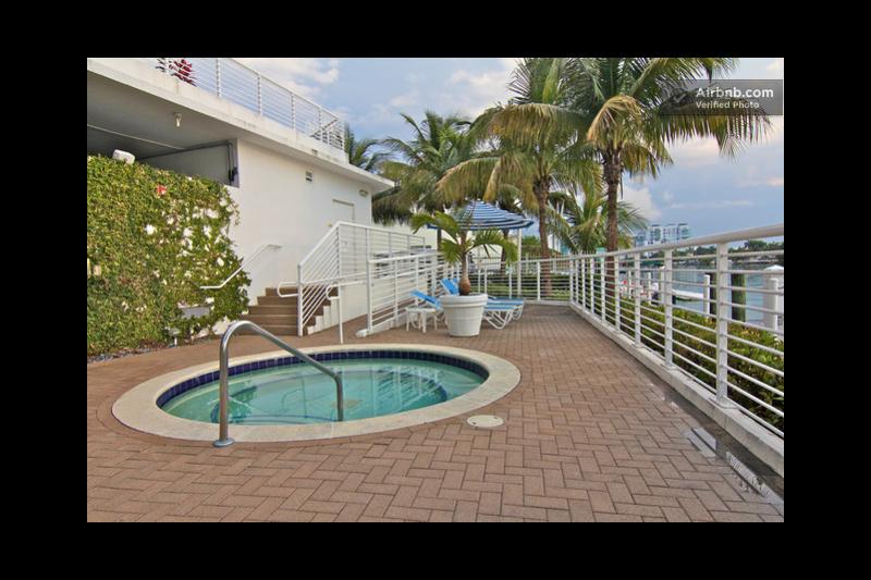 2bedrooms,2 bath water front condo across the ocean and beach